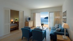 Deluxe Suite with Private Pool & Sea View
