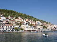 14_Gythio-village-at-the-Greece-Peloponnese-peninsula