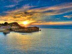 Закат над островом Корфу