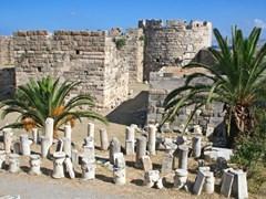 Руины замка на острове Кос