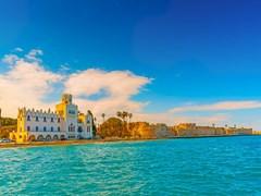 Побережье с крепостью на острове Кос