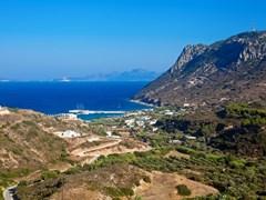 вид на Камари залив в южной части Кос в Греции, Додеканес