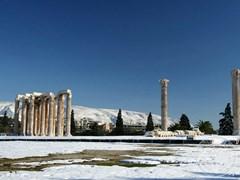 Храм Зевса в Афинах зимой