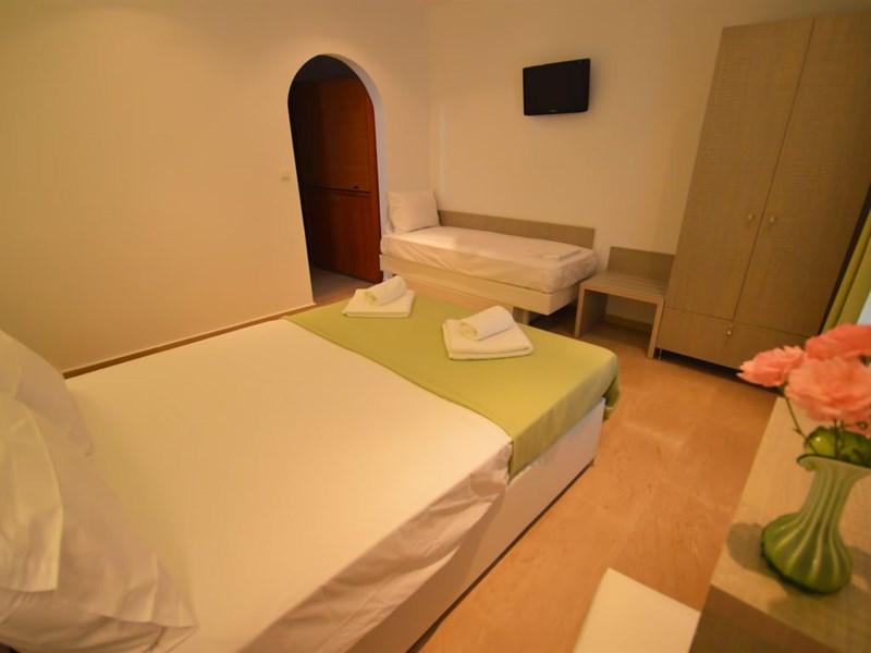 Paraktio Hotel