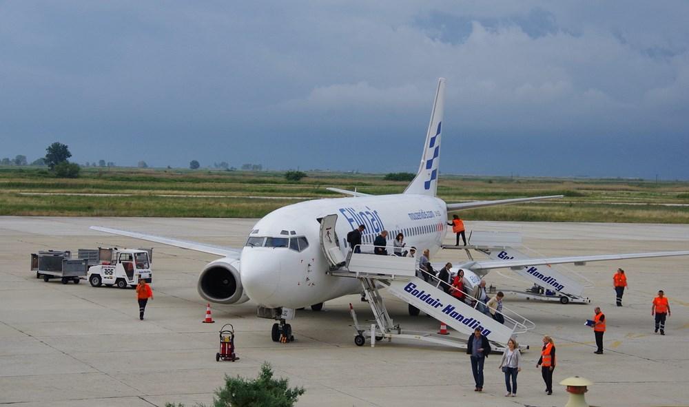 Επίσημη  υποδοχή για την πρώτη πτήση της Ellinair στην Καβάλα από τη Μόσχα.