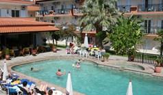 酒店 1500 m² 位于卡桑德拉(哈尔基季基州)