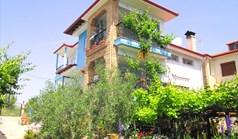独立式住宅 240 m² 位于新马尔马拉斯(哈尔基季基州)