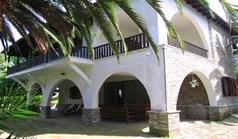 别墅 255 m² 位于新马尔马拉斯(哈尔基季基州)