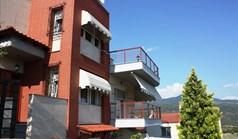 بيت مستقل 330 m² في  تسالونيكي