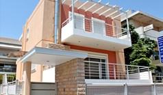 بيت صغير 220 m² في أثينا