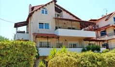Einfamilienhaus 210 m² in Loutraki
