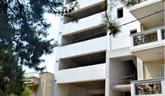 Business 1235 m² in Athens