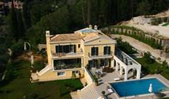 Villa 450 m² in Corfu
