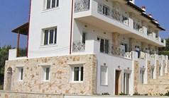 公寓 70 m² 位于卡桑德拉(哈尔基季基州)