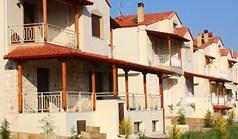بيت مستقل 180 m² في هالكيديكي