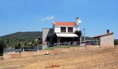 独立式住宅 180 m² 位于新马尔马拉斯(哈尔基季基州)