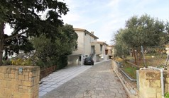 Villa 300 m² in the suburbs of Thessaloniki
