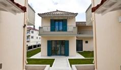 Mezoneta 90 m² na Atici