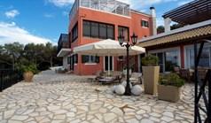Villa 400 m² in Corfu