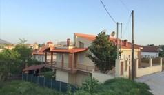 Kuća 260 m² u predgrađu Soluna