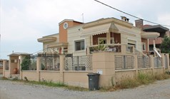 Detached house 320 m² on the Olympic Coast