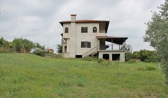 Detached house 340 m² on the Olympic Coast