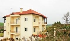 Коттедж 580 м² в пригороде Салоник