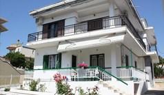 独立式住宅 235 m² 位于卡桑德拉(哈尔基季基州)