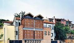 بيت مستقل 360 m² في  تسالونيكي