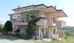 独立式住宅 315 m² 位于哈尔基季基州