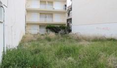 地皮 200 m² 位于哈尔基季基州