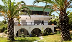კოტეჯი 280 m² კასანდრაზე (ქალკიდიკი)