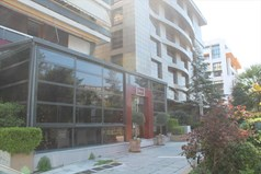 Business 250 m² in Athens