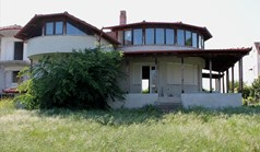 Detached house 330 m² on the Olympic Coast