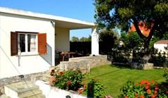 Kuća 70 m² na Atici