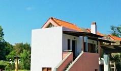 بيت صغير 75 m² في آتوس - هالكيديكي