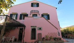 Detached house 198 m² in Corfu