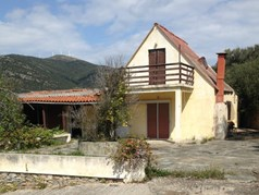 Detached house 320 m² on the Euboea island