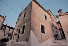 Detached house 75 m² in Corfu