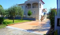 独立式住宅 350 m² 位于塞萨洛尼基