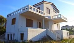 Kuća 183 m² na Atici