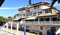 Hotel 1600 m² na Attyce