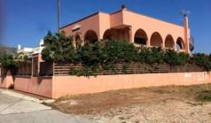 بيت مستقل 211 m² في أتيكا