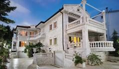 别墅 450 m² 位于新马尔马拉斯(哈尔基季基州)
