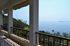 Detached house 200 m² in Corfu