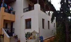 بيت صغير 135 m² في جزيرة كريت