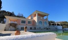 Villa 600 m² in Corfu