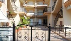 公寓 70 m² 位于哈尔基季基州