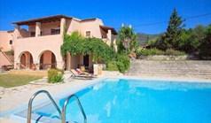Villa 270 m² in Corfu