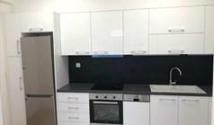 Stan 70 m² u Atini